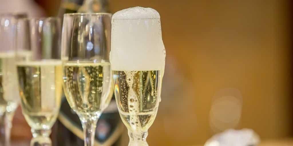 Шампанское занявшее первую ступеньку среди лидеров в 2019 году