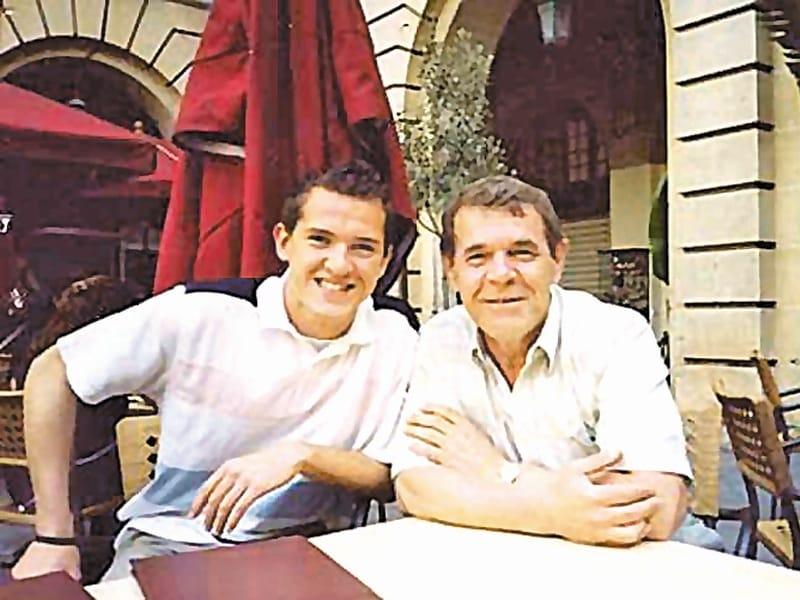 Почему сына Булдакова, Ивана лишили наследства, где он живёт сейчас
