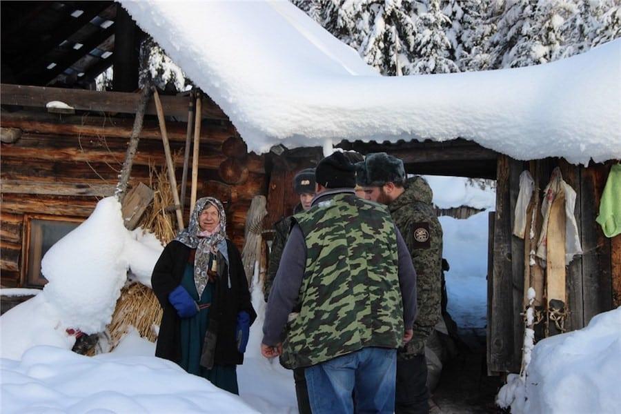 Как живет Агафья Лыкова сейчас: последняя из семьи Лыковых, таежных отшельников