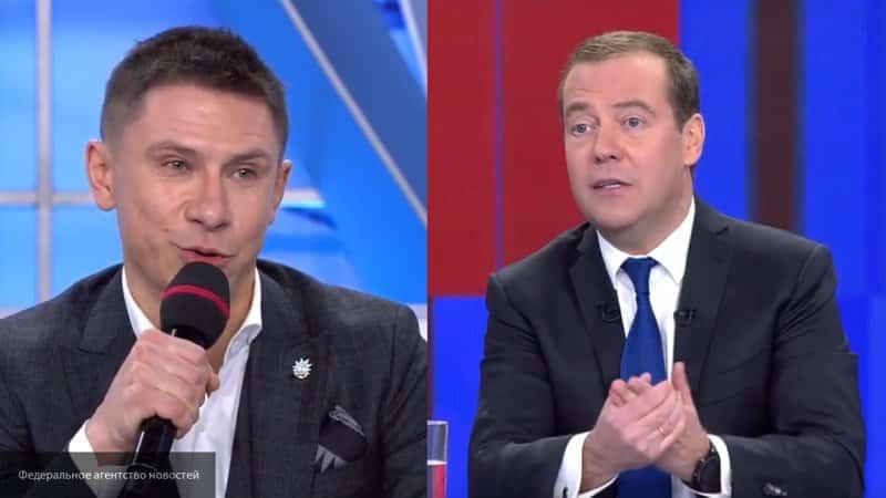 Медведев пошутил про Харламова и Путина на пресс-конференции