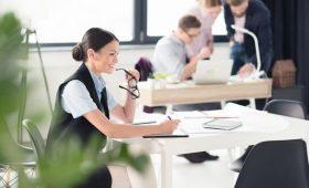 Роструд: ТОП-5 высокооплачиваемых и востребованных вакансий в регионах стал доступен на «Работе в России»