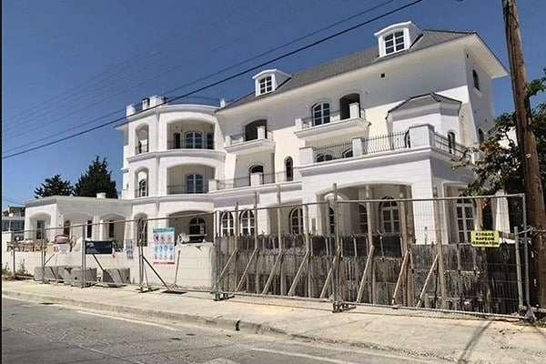Фотографии большого дома Пугачевой и Галкина на Кипре