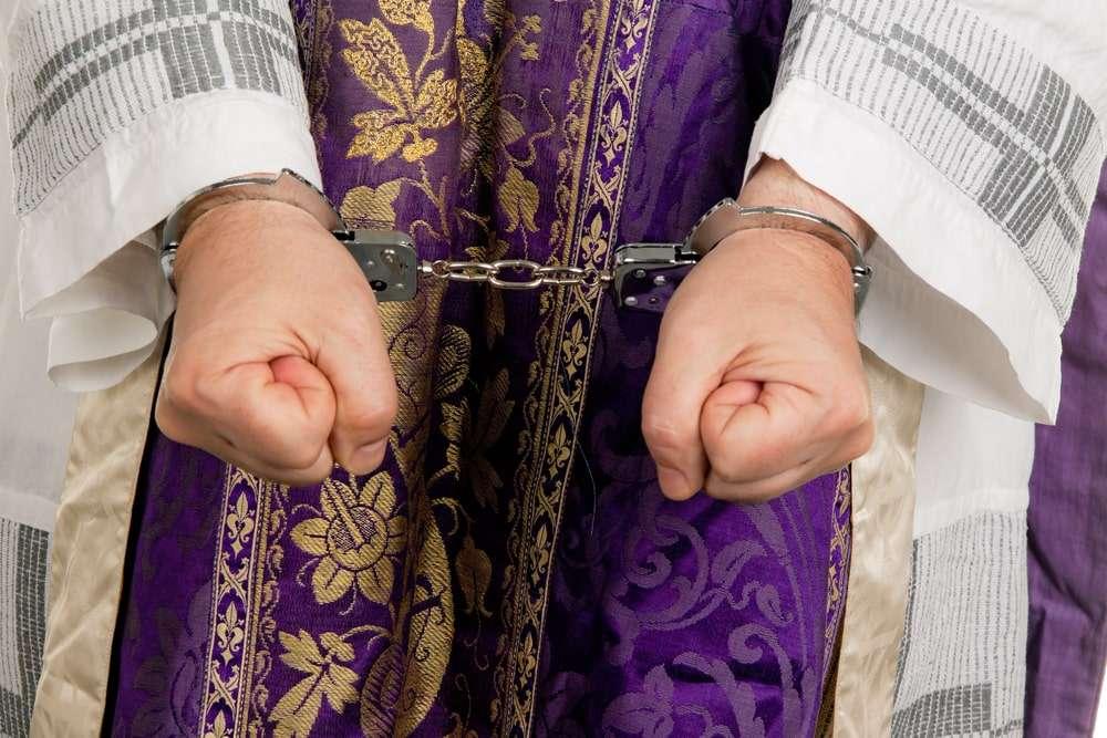В США церковный лидер насиловал маленьких детей
