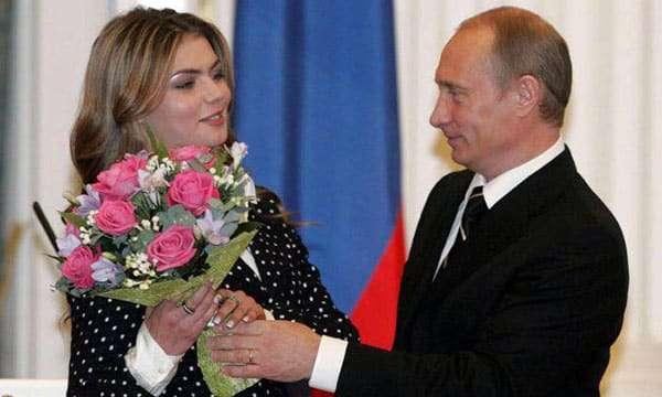 Алина Кабаева родила двойню 7 мая 2019: отец Путин или нет
