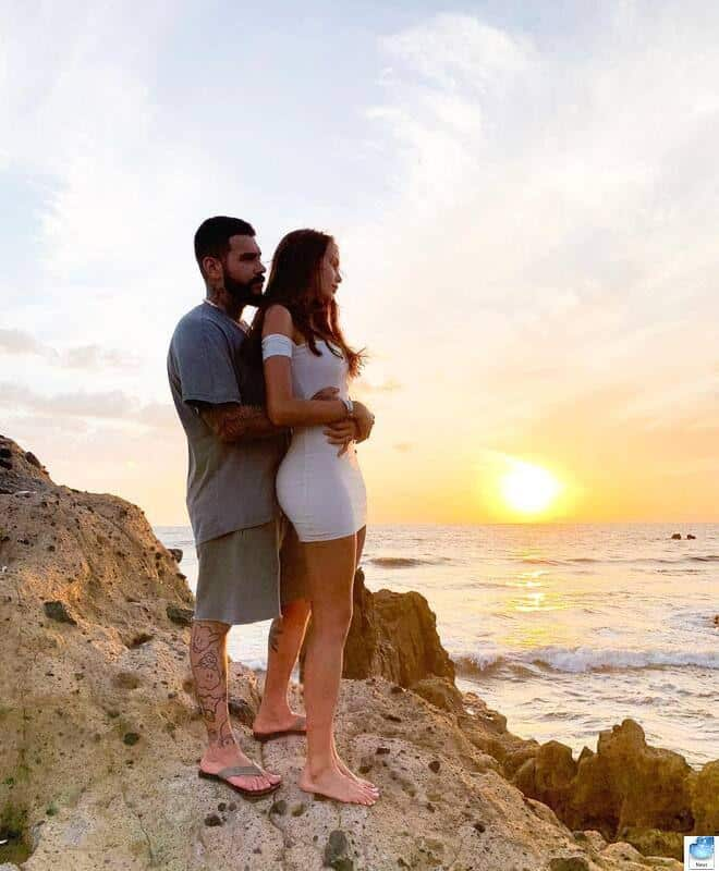Анастасия Решетова: фото с животом, беременная. Какой месяц беременности. Женаты с Тимати или нет